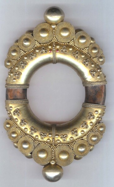 Bangle gilt silver with copper tube wire work and granulation, late 19th c fine example of type - Indonesia