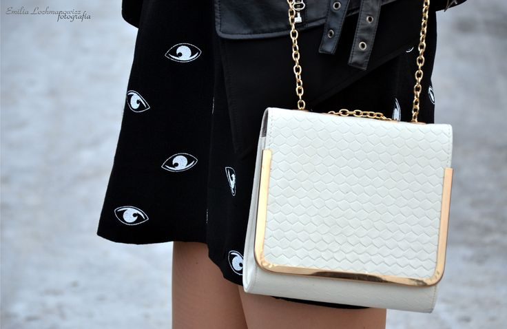 eye dress and white bag