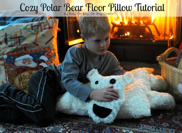 Make a Cozy Polar Bear Floor Pillow and watch your little one's eyes light up! #makeitgiveit