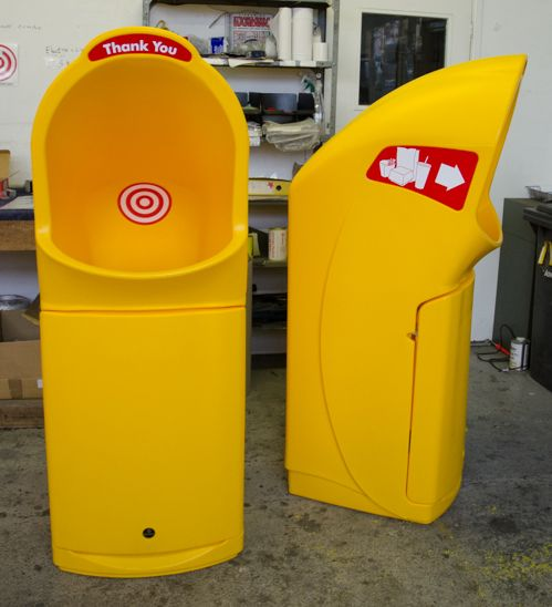 Want a way to make your bins stand out? These specially coloured Combo Delta™ large aperture litter bins are one customers solution.
