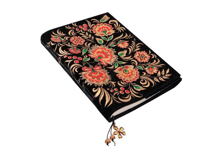Ежедневник из натуральной замши с ручной росписью. Размер 15*21 см.