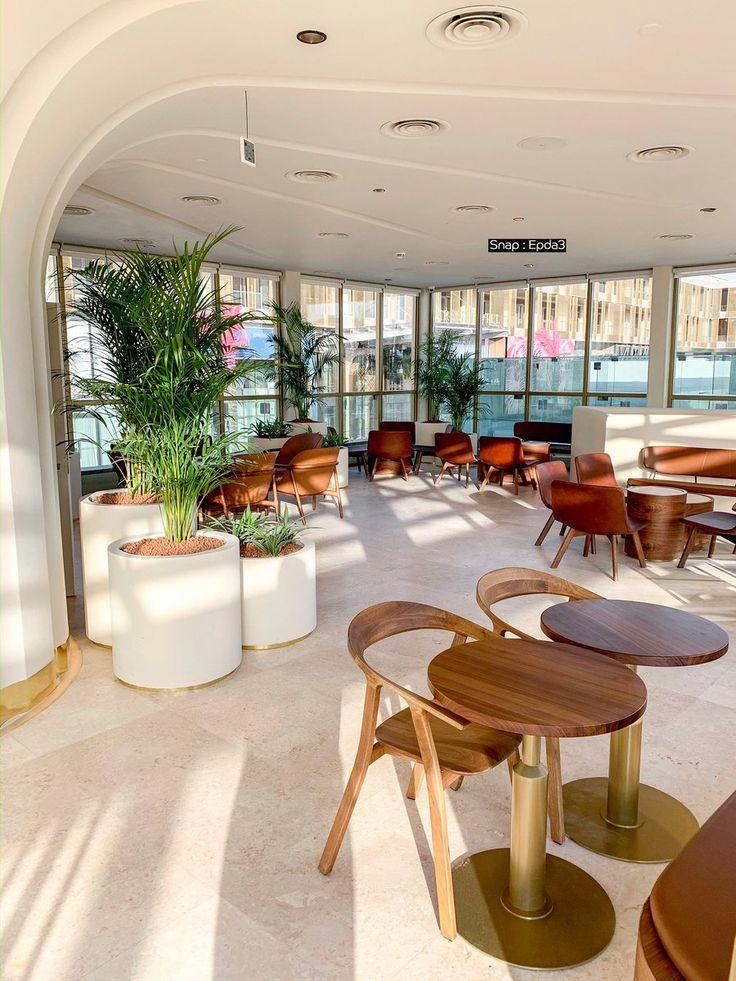 ابداع On Twitter ستاربكس ريزيرف البوليفارد أكبر فرع بالشرق الأوسط تم افتتاحه وأجمل فرع بمدينة الرياض يبدأ عملهم من 6 ص إل Decor Home Decor Breakfast Bar