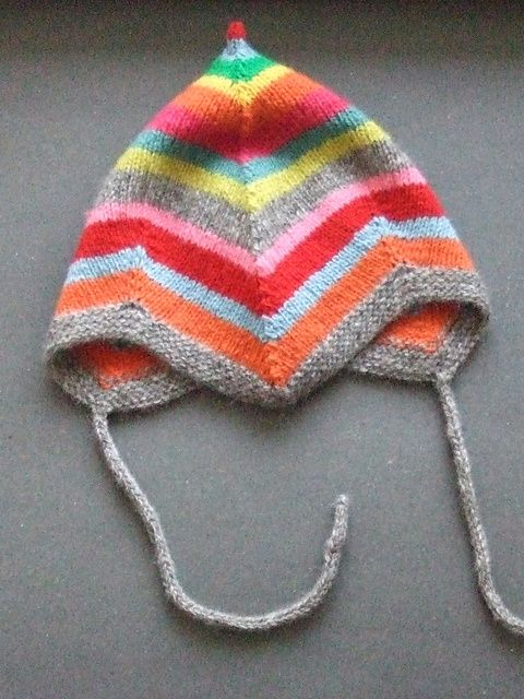 Ravelry: Stickigt's Lill-Iris' hat - great colors