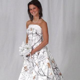White Camo Wedding Dress Who Knew You Could Get A Camo Dress.