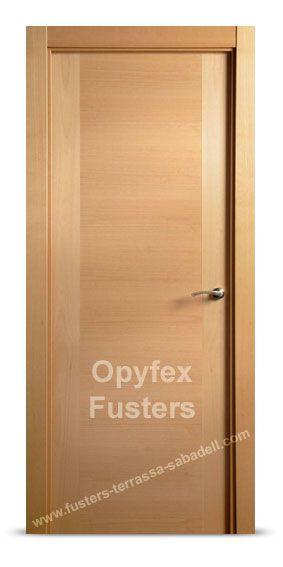 Puerta de madera para interior maciza modelo Sabadell. Precio: 295€ Incluye puerta, marcos, herrajes color inox, instalación ajuste y retirada de la puerta antigua.