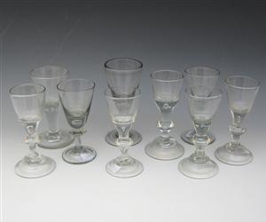 Lauritz.com - Glas - Samling glas, antagelig Hessen og Nøstetangen (9) - DK, København, Museumsbygningen