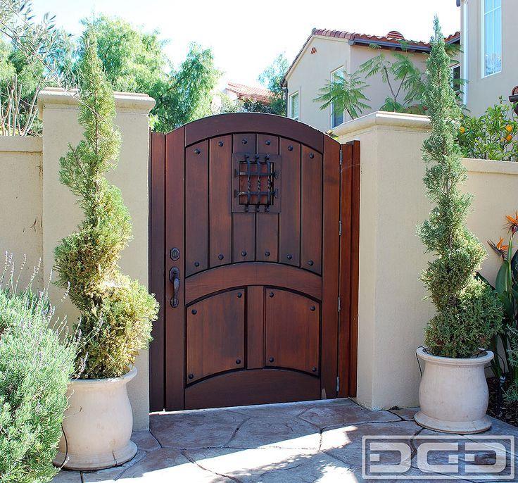 Privacy Fence  - STUCCO w Wood Gate - dynamic garage doordotcom