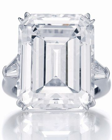 HarryWinston: The ultimate diamond ring!