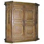 1640 yılına ait olan eşsiz Antika Dolap hakkında hangi döneme ait olduğu hakkında bilgi verilmemiştir. http://antikamobilyalar.com/375-yillik-antika-dolap/