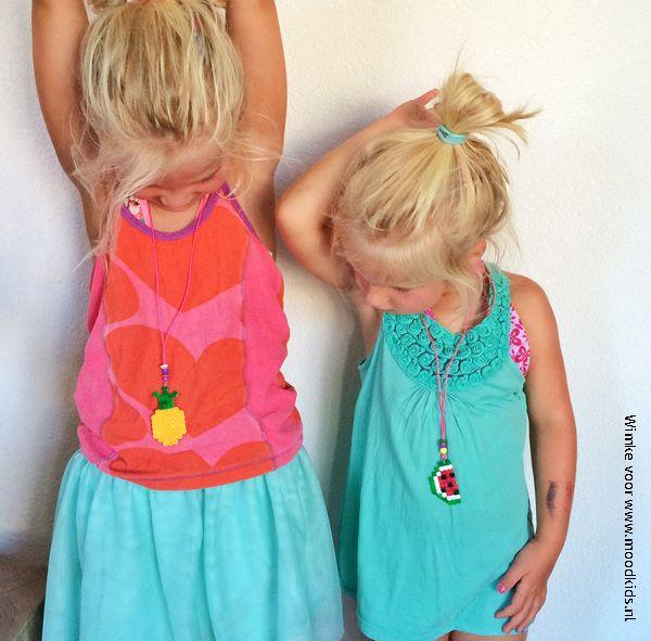 Tof! Zelf fruitkettinkjes maken van strijkkralen. Dit gaat mijn kleine dame echt heel gaaf vinden!