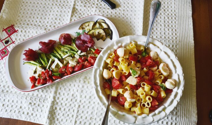 #summer lunch #pasta #cheese  #tomato and #appetizer  #zucchini  bresaola http://blog.giallozafferano.it/tasteit/che-caldo-idea-per-un-pranzo-estivo-summer-lunches/