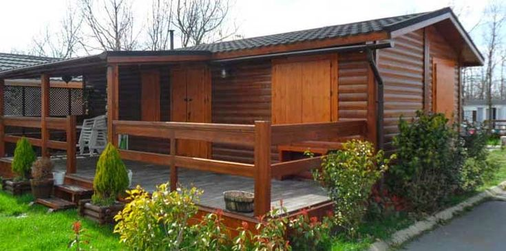 desain rumah kayu sederhana cantik asri