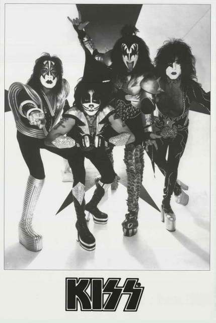 A great black and white band portrait poster of KISS! Paul Stanley, Gene Simmons, Ace Frehley, and Peter Criss wanna Rock and Roll All Night and Party Every Day with YOU! Ships fast. 24x36 inches. Che