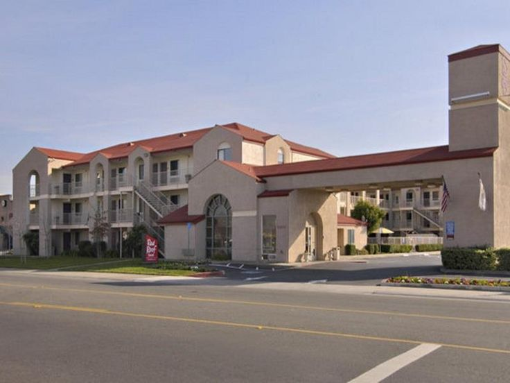 Rancho Cordova (CA) Red Roof Inn Rancho Cordova - Sacramento United States, North America Set in a prime location of Rancho Cordova (CA), Red Roof Inn Rancho Cordova - Sacramento puts everything the city has to offer just outside your doorstep. Both business travelers and tourists can enjoy the hotel's facilities and services. Free Wi-Fi in all rooms, daily housekeeping, fax machine, photocopying, printer are on the list of things guests can enjoy. Some of the well-appointed g...