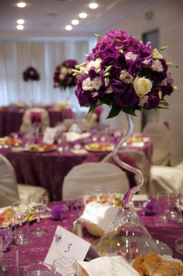 Arreglo floral hecho de vidrio artesanal en forma de copa - Arreglo de flores naturales ...