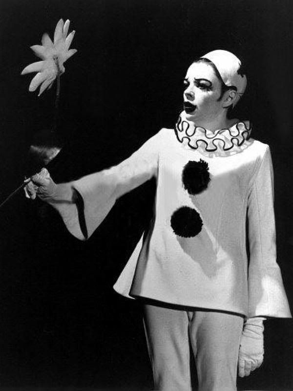 Judy Garland, 'Send in the Clowns', from 'The Judy Garland Show', on CBS for 2 seasons in 1968-69.