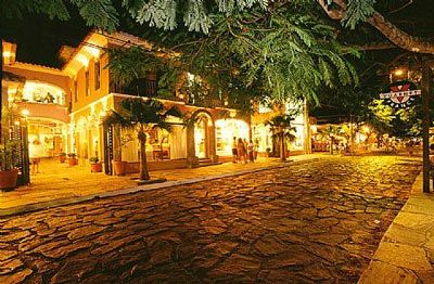 "Rua das Pedras, Buzios - Brazil.    The wordly famous stone-paved street located in Buzios, a fisherman's village about 2 h north of Rio de Janeiro, Brazil, inspired H.Stern to create ""Cobblestones"", a line of jewels that mimics the pattern of hand-set  paving stones, set in gold and accented with diamonds."