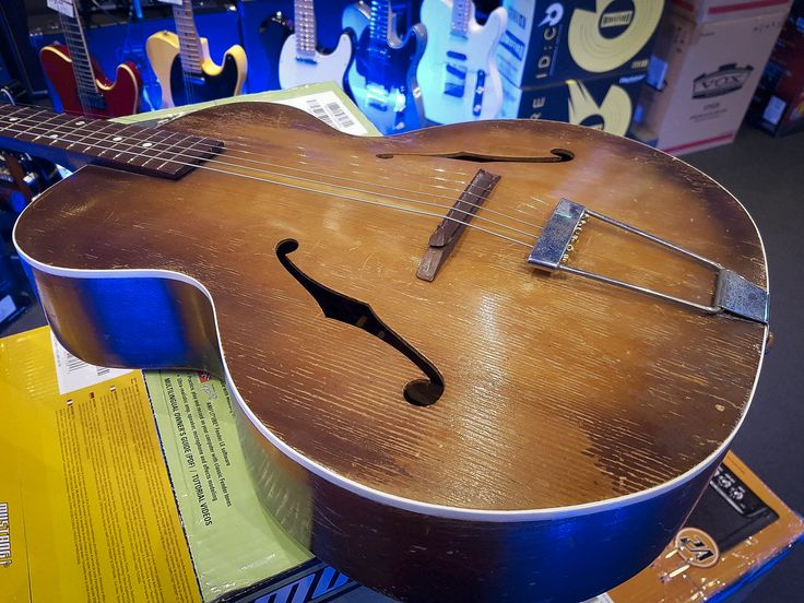 A beautiful War-era Maton Archtop, purchased in 1949! #maton #matonarchtop #archtop #guitar #acousticguitar #matonguitars #megamusic #megamusicmyaree