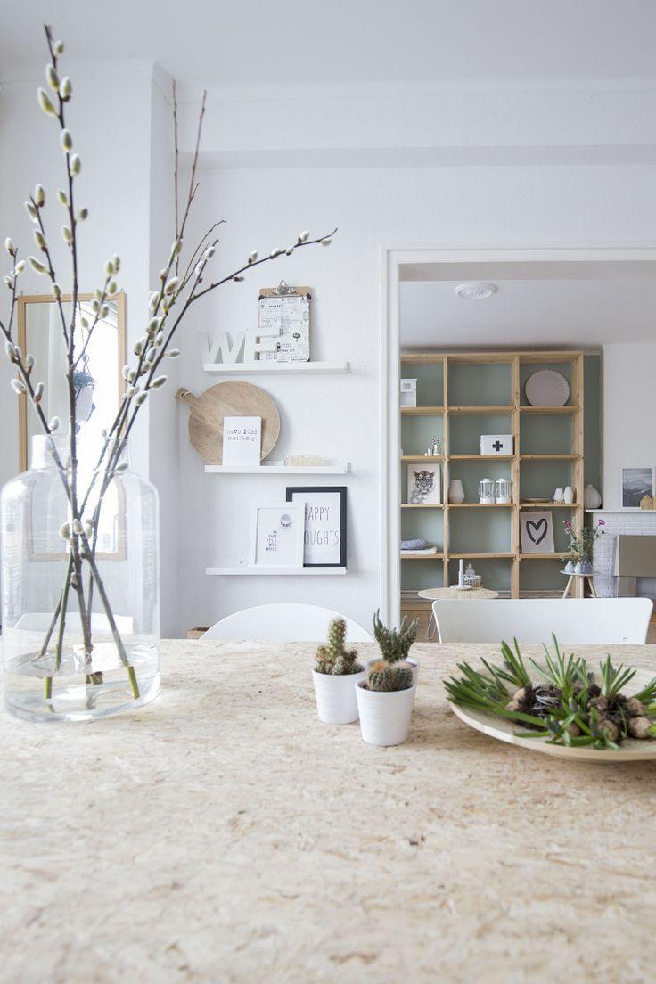 Bright living room in white, wood, and grey via Binnenkijken bij Gemma & Gert Jan