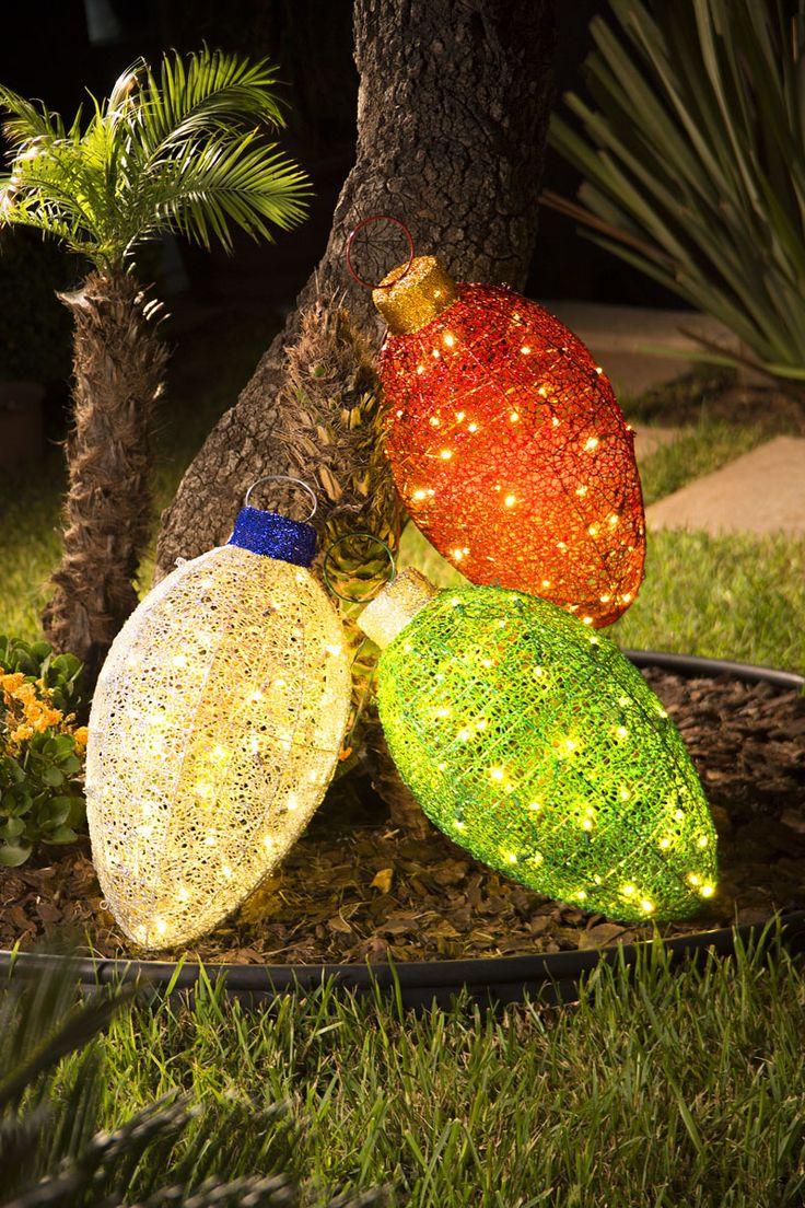 Decoración navideña para exterior. Set de tres adornos decorativos con luz. Navidad 2017.
