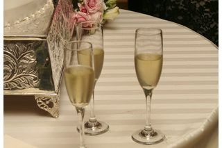 Maid of Honor Speech Ideas for Sisters   eHow