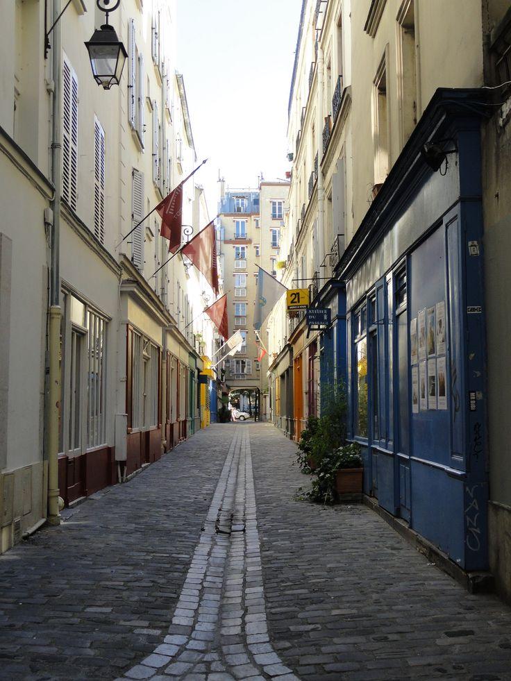 57 best paris arrondissement 17 clichy batignolles cite des fleurs images on pinterest. Black Bedroom Furniture Sets. Home Design Ideas