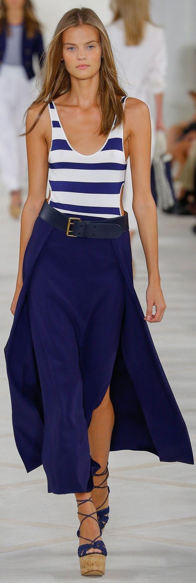 Ralph Lauren Collection à la NYFW : « Ma collection Printemps 2016 pour femmes évoque le glamour moderne de la Côte d'Azur. Avec son romantisme rustique et son raffinement sportif, elle incarne l'insouciance cool et discrète des femmes qui m'inspirent. » -- Ralph Lauren