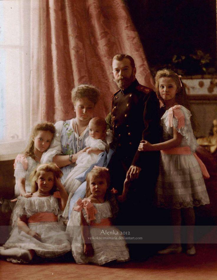 The last Imperial family of Russia: Tsar Nicholas II. Alexandrovich (1868-1918), Tsarina Alexandra Fyodorovna (1872-1918), baby Tsarevich Alexei Nikolaevich (1904-1918), Grand Duchesses from left to right: Tatiana Nikolaevna (1897-1918), Maria Nikolaevna (1899-1918), Anastasia Nikolaevna (1901-1918) and Olga Nikolaevna (1895-1918).