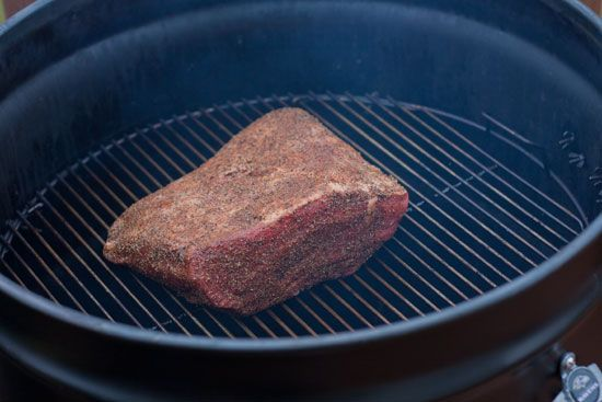 smoking pit beef on an ugly drum smoker