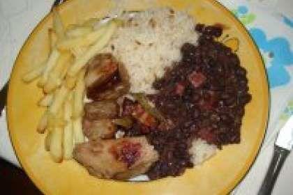 Entrecosto no forno com arroz branco, feijão preto e batata fri, Receita Petitchef