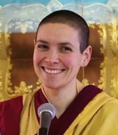 Enseignante résidente Guèn Kelsang Chögyanest l'enseignante résidente du Centre bouddhiste kadampa Tara de Sherbrooke. Elle étudie et pratique le bouddhisme kadampadepuis plusieurs années...