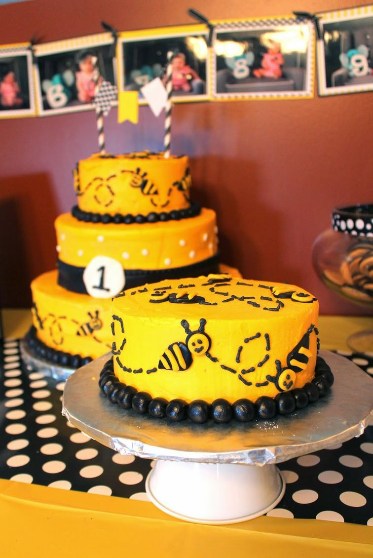 First Birthday Bumble Bee Theme Cake Kimber 1st Bee Day