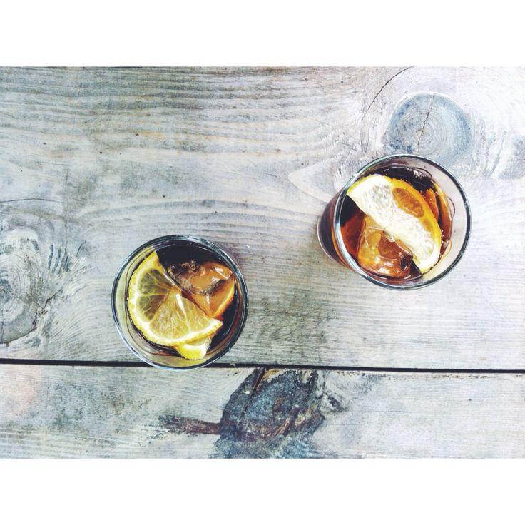 Coke with ice and lemon