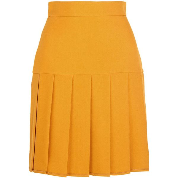 Gucci Pleated silk and wool-blend crepe mini skirt ($915) ❤ liked on Polyvore featuring skirts, mini skirts, bottoms, gucci, gonne, yellow, pleated mini skirt, crepe skirt, mini skirt y short skirts