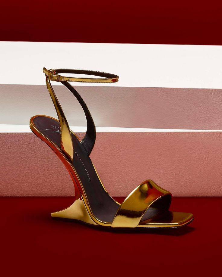 The PICARD, a gravity-defying, golden beauty. #GiuseppeZanotti #GZFW17