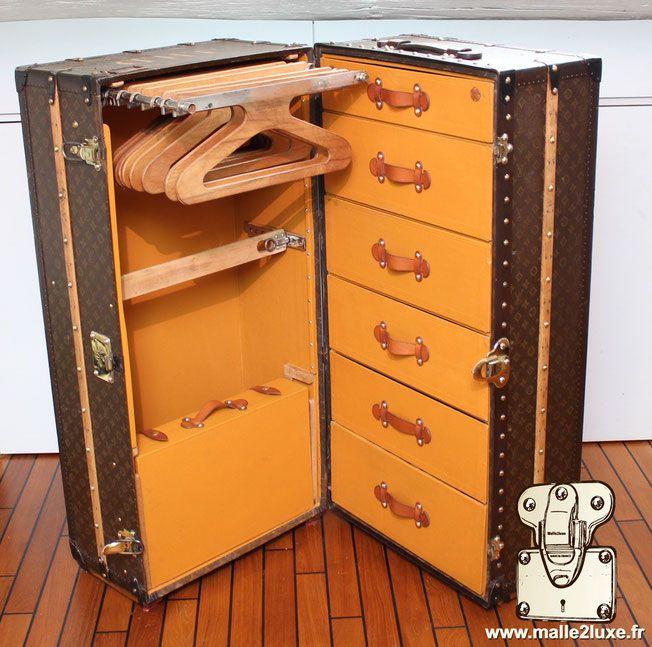 les 269 meilleures images du tableau malle vuitton goyard moynat collection sur pinterest. Black Bedroom Furniture Sets. Home Design Ideas