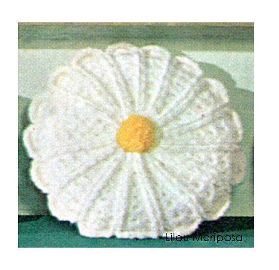 Crochet Pillow Pattern Vintage Crochet Daisy by Liloumariposa