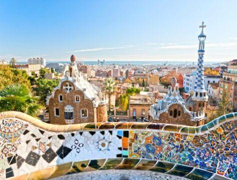 Barcellona - La metropoli catalana ha scommesso sul verde e oggi offre ai turisti spiagge pulite, parchi curati e mobilità green.
