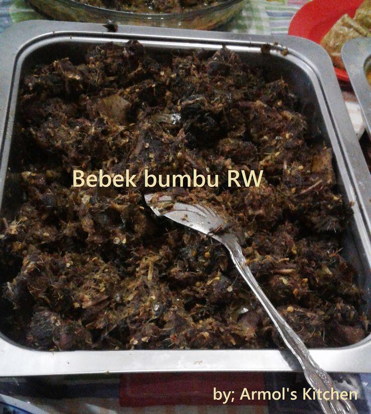 Bebek Bumbu RW -- Masakan khas Manado  Mau tau resepnya? Yuk simak http://aneka-resep-masakan-online.blogspot.com/2016/07/resep-bebek-bumbu-rw-khas-manado.html