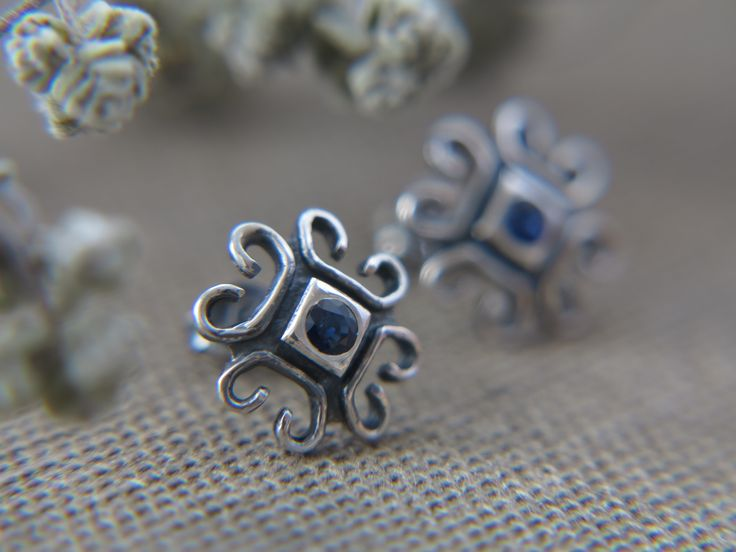Elegant studs earrings with sapphires #studsearrings #sapphires #earrings #lunarcross #jewelry #silver #sterlingsilver #jewellery