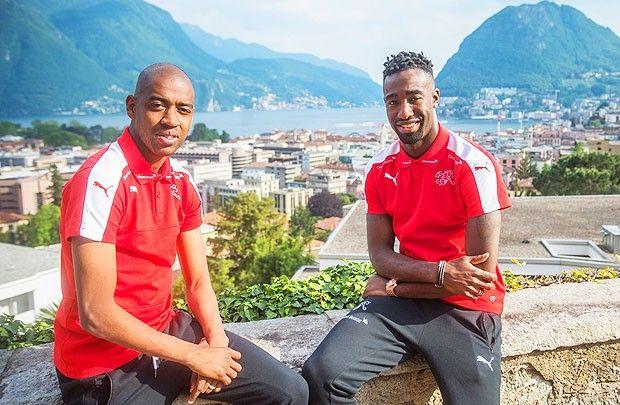 FORZAAAAA  RAGAZZI, vogliamo TANTE soddisfazioni!!!!!!!!!! La Nazionale svizzera di calcio ha iniziato il ritiro pre Europei in Ticino. Guardate le immagini della prima giornata di allenamenti e del primo incontro dei giocatori con i numerosi tifosi presenti.