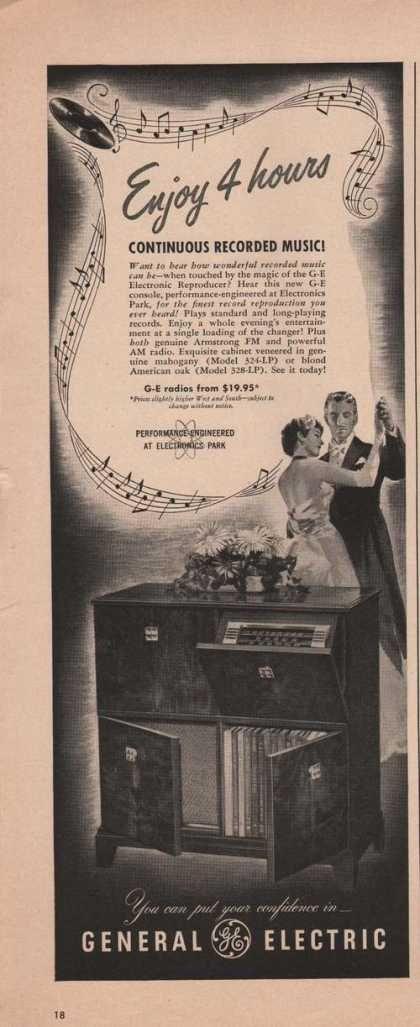 General Electric Fm Am Radio Vaneered Cabi (1949)