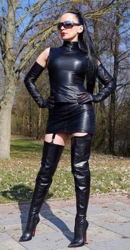 Jaw dropping black Leather Outfit