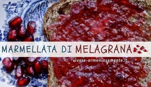 Ricetta della marmellata di melagrana con poco zucchero. Per fare la marmellata di melograno in casa occorrono dei melograni maturi, qualche mela, limone o
