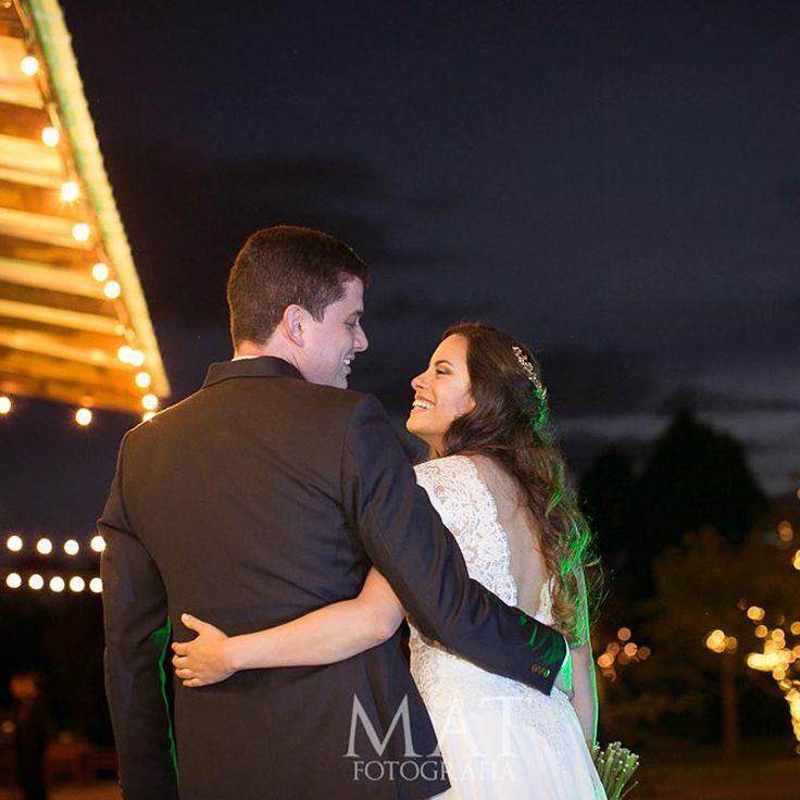 Predecimos tus más íntimos deseos, y somos capaces de hacer cosas que no has pedido pero sabemos te sorprenderán.  Llama al 3106158616 / 3206750352 / 3106159806 y reserva desde ya, atendemos todos los días de la semana y fines de semana incluido festivos. www.zonae.com  #ZonaE #CasaBali #BodasAlAireLibre #BodasCampestres #weddingplaner #bodasmedellin #bodas #Eventos #boda #wedding #destinationwedding #bodascolombia #tuboda #Love #Bride Foto @matfotografia