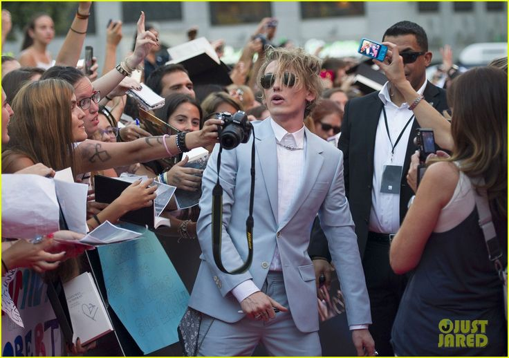 Lily Collins & Jamie Campbell Bower: 'Mortal Instruments' Madrid Premiere! | Jamie Campbell Bower, Lily Collins, Robert Sheehan Photos | Just Jared