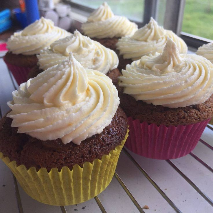 Gingerbread cupcake - heavily spiced ginger cupcake, topped with ginger marmalade then frosted with a cream buttercream