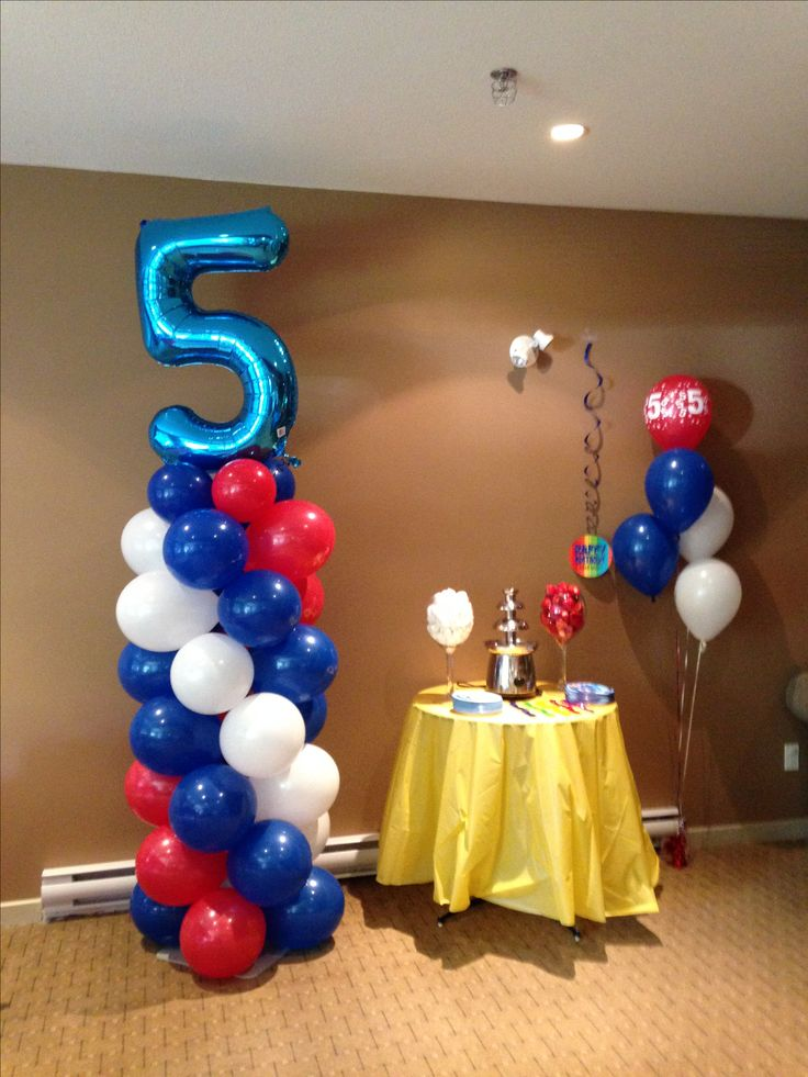 Balloon columns with foil number