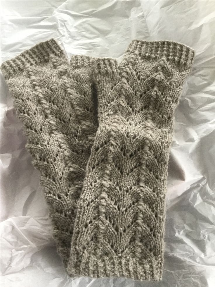 These beautiful warm fingerless gloves were hand knitted by me for a wonderful friend of mine for her birthday. They are 4ply baby merino and so soft.