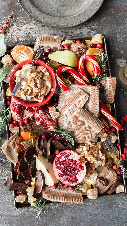 Ideas de regalos navideños que puedes hacer tú mismo para gastar poco o prácticamente nada. Christmas Table Decorations, Christmas Desserts, Christmas Fun, Christmas Meals, Dessert Tray, Cupcakes, Charcuterie Board, Snacks, Holiday Cookies